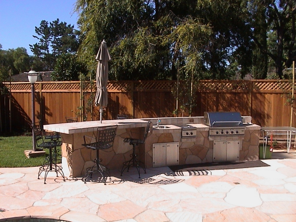 Outdoor kitchens bbq fireplaces for Fireplace and bbq